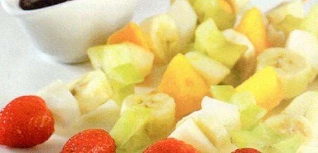 Espetinho Fruta e Chocolate