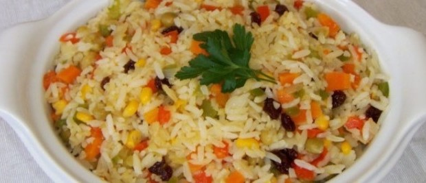 Típico arroz à grega