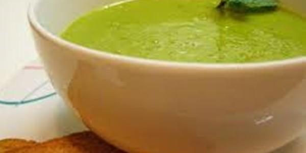 Sopa de Ervilha com Tofu