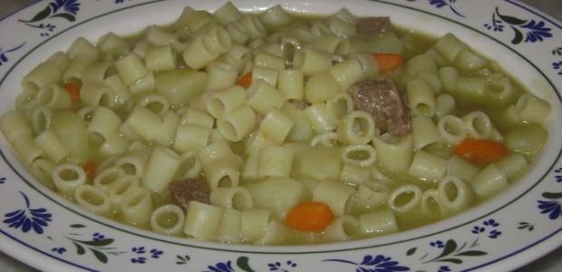 Sopa com Macarrão e Legumes