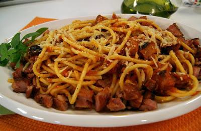 Espaguete ao Molho de Linguiça