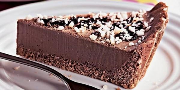 Torta de Chocolate com Paçoca