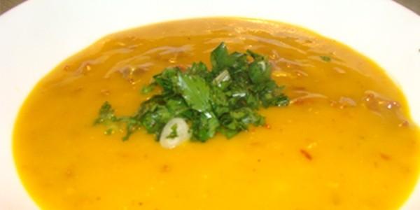 Sopa de Abóbora com Creme de Leite