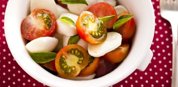 Salada de tomate e ovo cozido