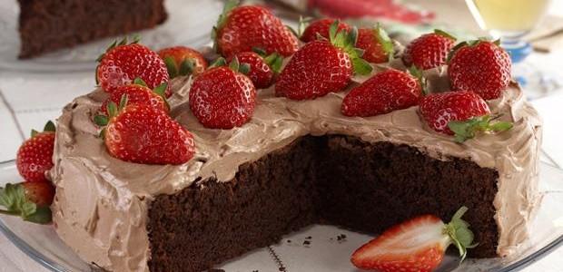 Receita Torta de Chocolate com Morango