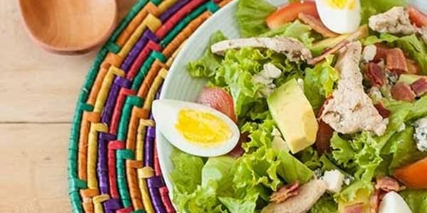 Salada com Bacon e Frango