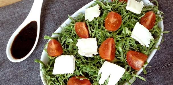 Salada de Couve ao Vinagrete Balsâmico