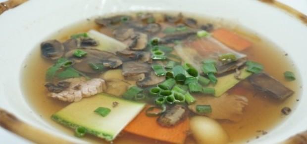 Caldo de Peixe com Carne e Legumes