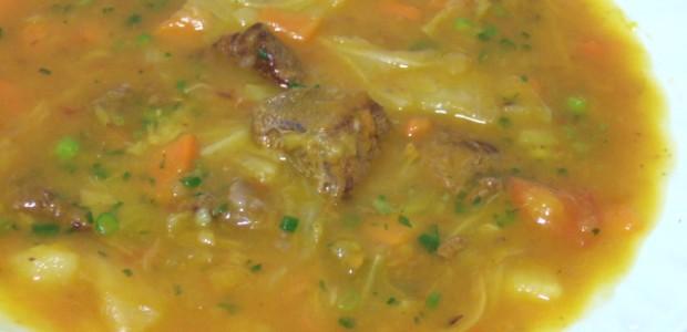 Sopa de Legumes com Carne Cremosa