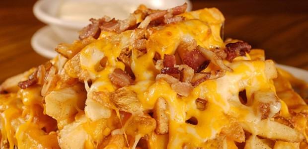 Batata Frita com Queijo e Bacon