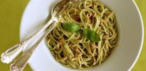 Espaguete o Molho Pesto
