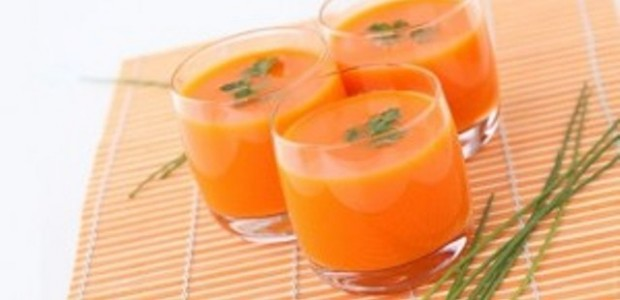 Suco de Casca de Mamão com Laranja