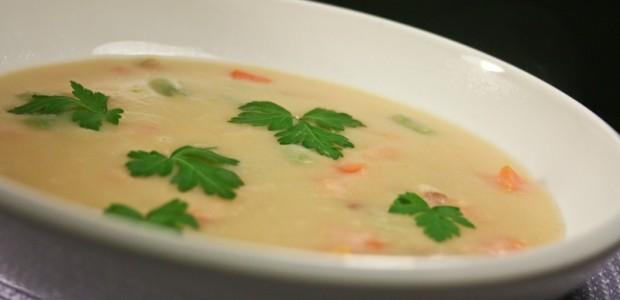 Sopa de Feijão Branco com Tomate