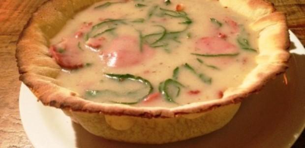 Sopa na Massa de Pizza