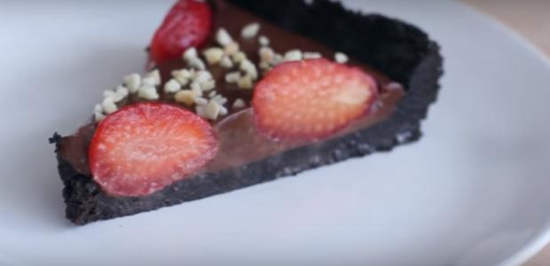 Torta de Chocolate com Morango Fácil