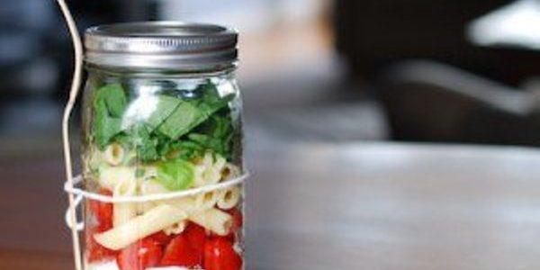 Salada Caprese no Potinho