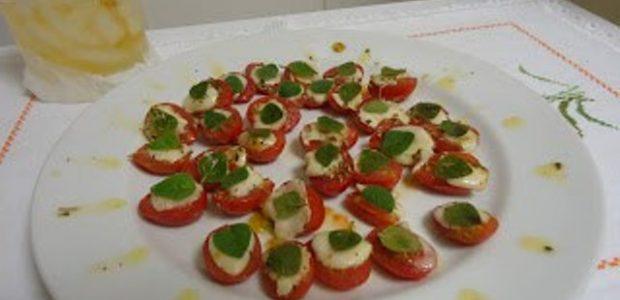 Tomatinho Cereja com Muçarela