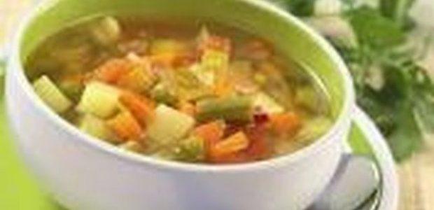 Sopa de Verduras com Croutons