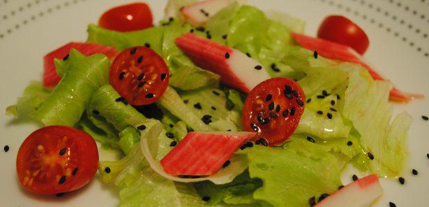 Salada com Kani Kama