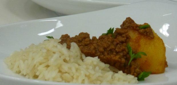 Carne picada com arroz