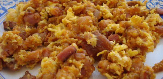 Ovos Mexidos com Salsicha