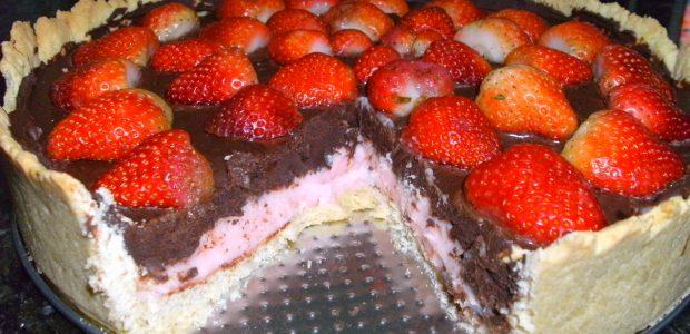 Torta Trufada de Morango e Chocolate